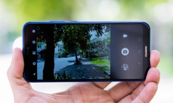 Camera sau Huawei Nova 3e