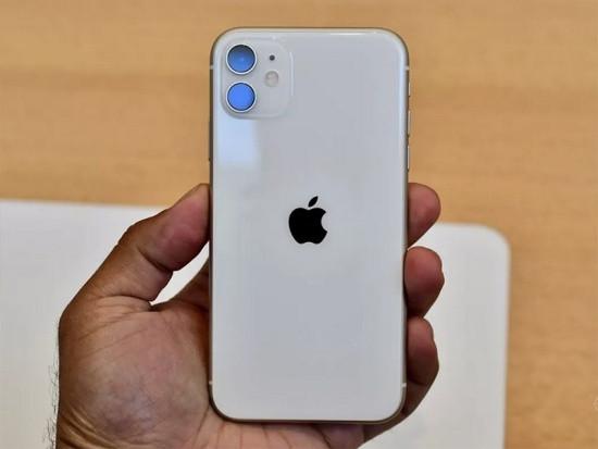 Camera sau iPhone 11