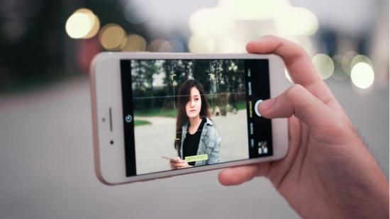 Camera sau iPhone 7 Plus bị mờ
