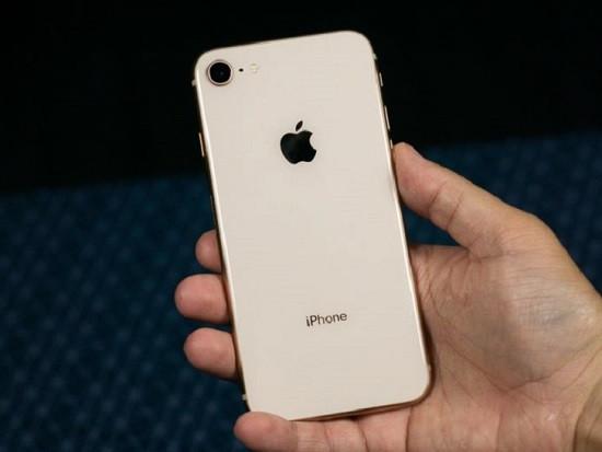 Dấu hiệu nhận biết camera sau iPhone 8 bị hư hỏng