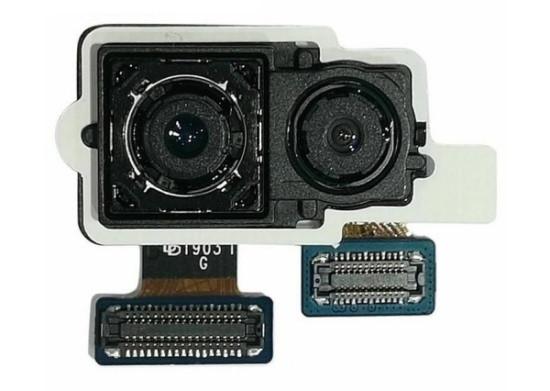 Camera sau Samsung J8
