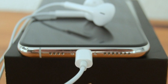 Chân sạc iPhone 11 Pro Max bị hư