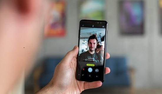 Dấu hiệu cho thấy camera trước Samsung S10 Plus bị hư