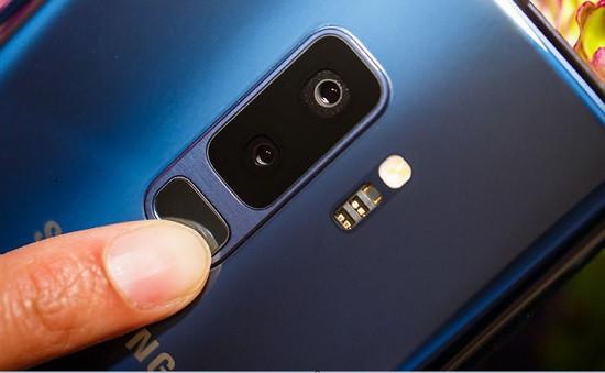 Dấu hiệu cho thấy hư hỏng camera sau Samsung S9 Plus