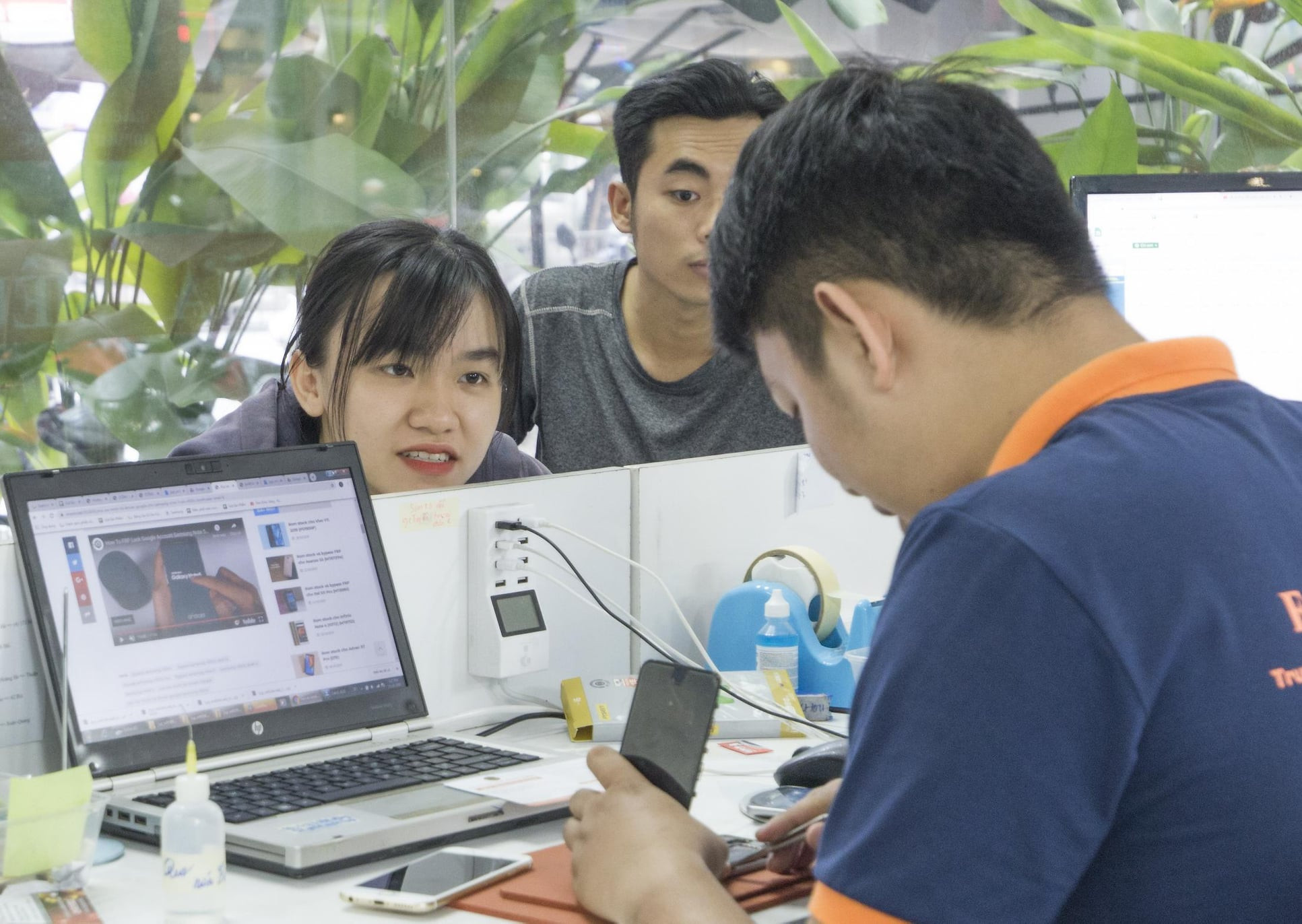 Hình ảnh khách hàng đến với Fastcare 7
