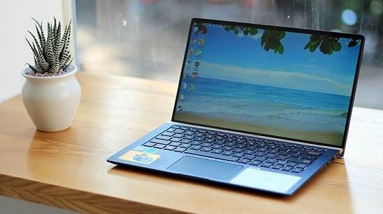 Laptop đang dùng bị sập nguồn bật không lên