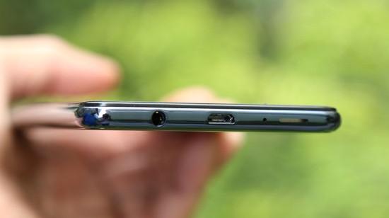 Loa Samsung A7 2018 bị hư là tình trạng làm phiền nhiều người dùng máy