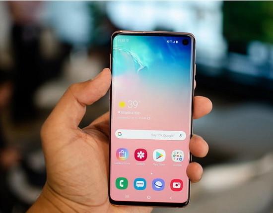 Loa trong Samsung S10 Plus bị hư sẽ ảnh hưởng đến đàm thoại