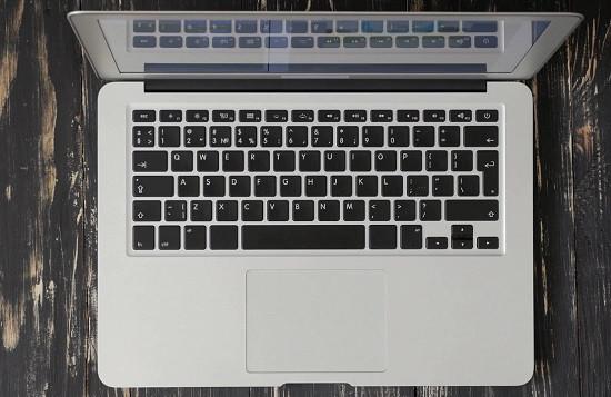 Nguyên nhân chuột cảm ứng laptop không di chuyển được