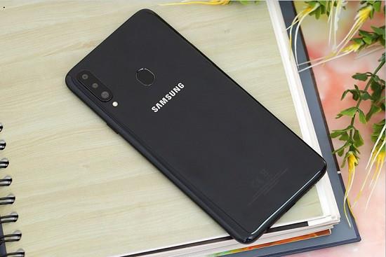 Thay camera sau Samsung A20s uy tín