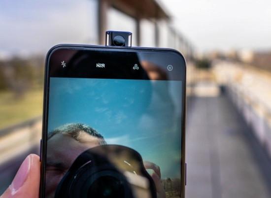 Thay camera trước Oppo F11 Pro chất lượng cao là dịch vụ bạn đang cần?
