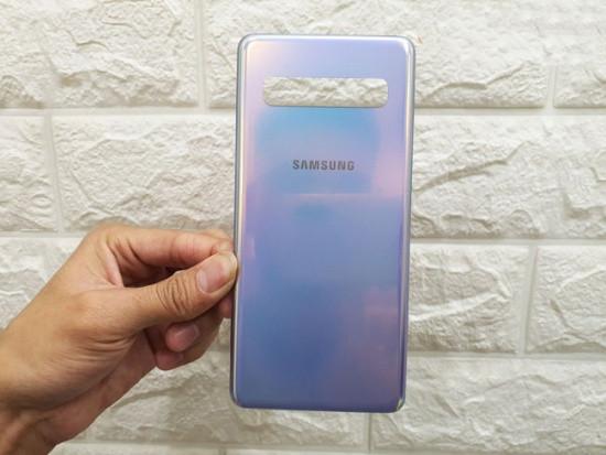 Thay nắp lưng Samsung S10