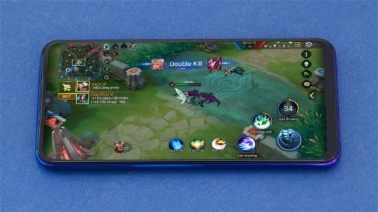 Thiết kế màn hình Vivo V11i