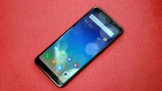Xiaomi Redmi 5 Plus bị bóng mờ