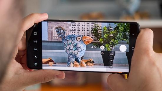 Camera điện thoại Samsung không lấy nét được