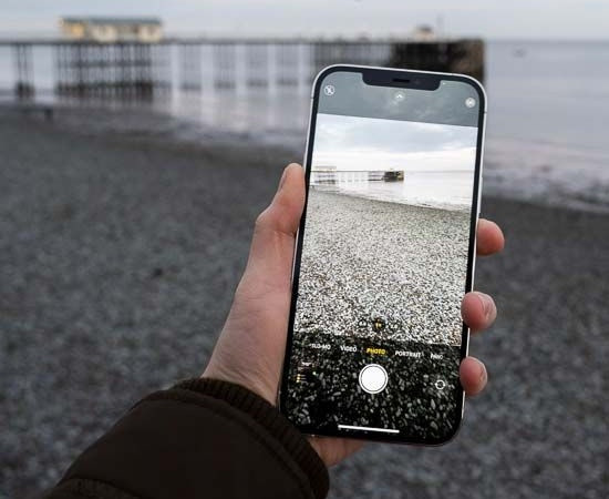 Camera iPhone 12 Pro Max thỉnh thoảng bị đơ