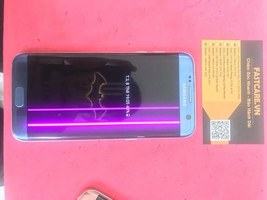 Màn hình Samsung S7 Edge bị sọc hồng