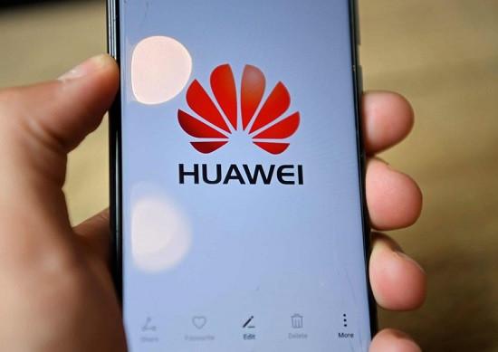 Nguyên nhân Huawei sạc không vào pin