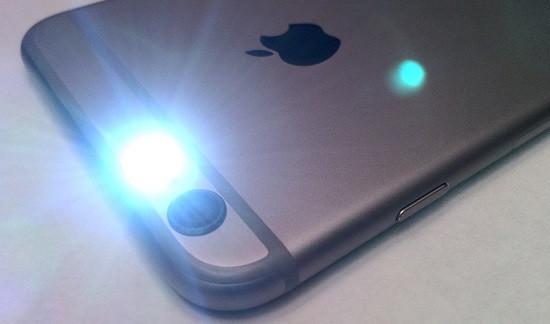 Ứng dụng đèn nháy theo nhạc cho iPhone