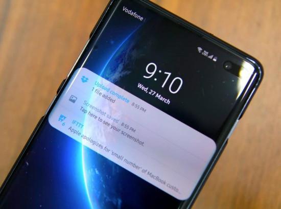 Samsung tự sáng màn hình dù không có thông báo