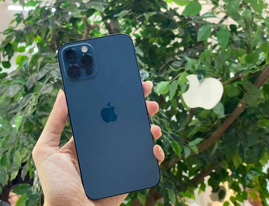 Thay mặt kính sau iPhone 12 Pro Max chất lượng