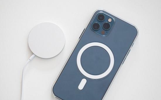 Khắc phục lỗi iPhone 12 Pro Max sạc bị nóng máy