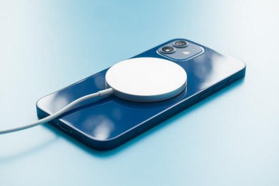 Nguyên nhân khiến iPhone 12 không nhận sạc không dây