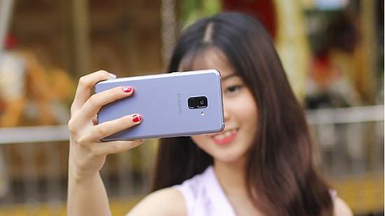Thay camera sau Samsung A8 2018 chất lượng cao