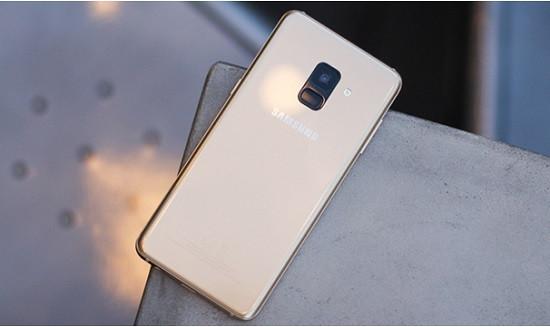 Thay camera sau Samsung A8 2018 giá tốt