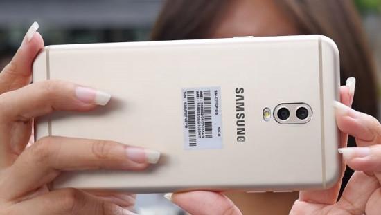 Camera sau Samsung J7 Plus