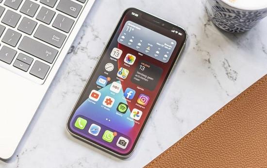 Điện thoại iPhone 12 bị treo máy
