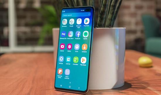 Samsung bị treo màn hình không tắt được