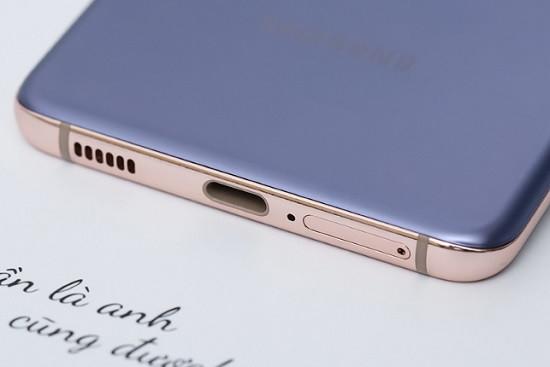 Vệ sinh cổng kết nối Samsung S21