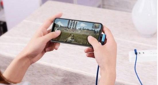 Vừa dùng iPhone 11 vừa sạc
