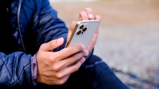 iPhone 12 Pro Max bị chậm