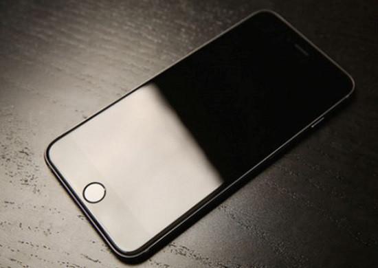 Nguyên nhân iPhone tự tắt màn hình khi đang sử dụng