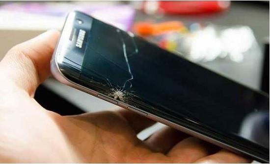 Nguyên nhân sạc pin hiện dấu chấm than Samsung