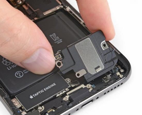 Có thể bạn sẽ phải thay loa mới cho iPhone