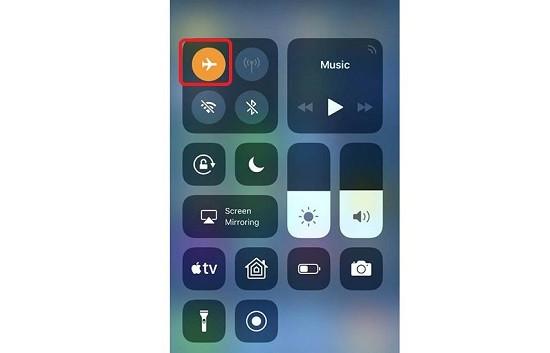 Bật tắt chế độ máy bay iPhone 11 Pro