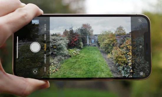 Có nhiều lý do khiến iPhone 12 Pro Max chụp gần bị mờ