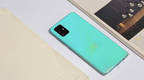 Thay nắp lưng Samsung A51 uy tín giá rẻ