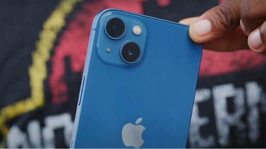 Thay camera sau iPhone 13 giá rẻ chất lượng cao
