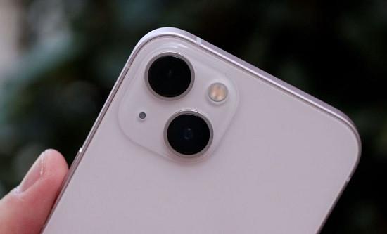 Thay kính camera iPhone 13 chất lượng cao
