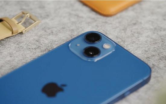 Thay kính camera iPhone 13 giá rẻ uy tín