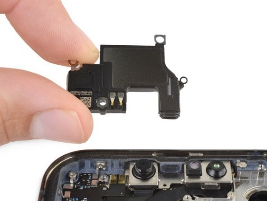 Thay loa trong iPhone 13 Pro