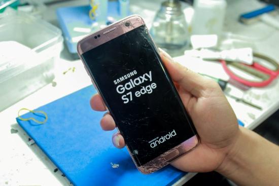 thay man hinh Samsung S7 Edge