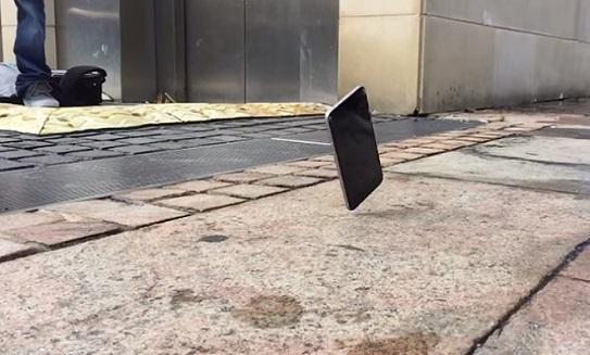 Nguyên nhân gây ra lỗi màn hình hở sáng trên iPhone 6/ 6 Plus
