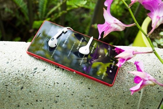 Thay mat kinh Sony M4 Aqua