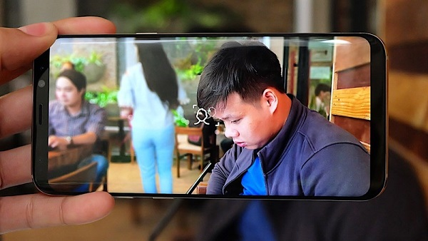 Chụp ảnh xóa phông trên Galaxy S8 và S8 Plus