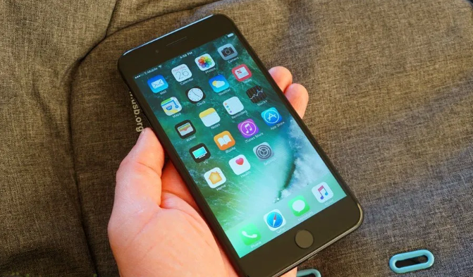 Nguyên nhân khiến iPhone 7 không vào pin